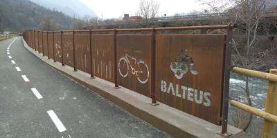Consegnato ai comuni di Fénis e Saint-Marcel il tratto di pista ciclabile  lungo la Dora Baltea